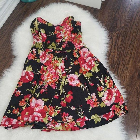 Kimchi Blue | Strapless Floral Mini Dress Medium